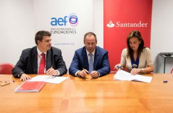 La AEF renueva el convenio con el Banco Santander